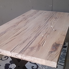 Balkeneiche-Tische