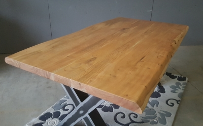 Baumkantentisch Akazie 180 cm lang - 5,6 cm stark