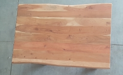 Baumkantentisch Akazie 120 cm lang - 2,6 cm stark